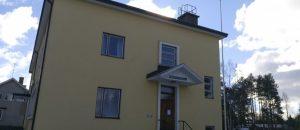 Kuvassa on Vampulan nuorisotilan rakennus ulkopäin.