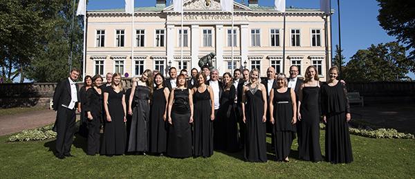 Kuvassa on Porin Sinfoniettan solistien ryhmäkuva.