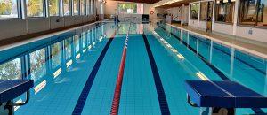 Kuvassa on Kokemäen uimahallin uima-allas.