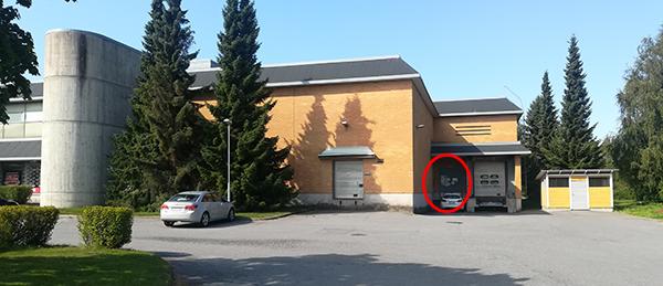 Kuvassa on Skatehallin rakennus ulkoa.